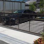 ガレージの門扉 オーバードアタイプの設置例2
